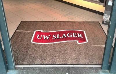 Logomat voor de entree van uw slager
