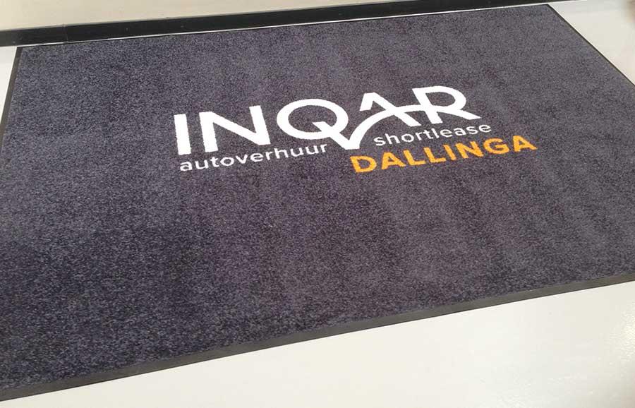 Een van de Logomatten van Inqar