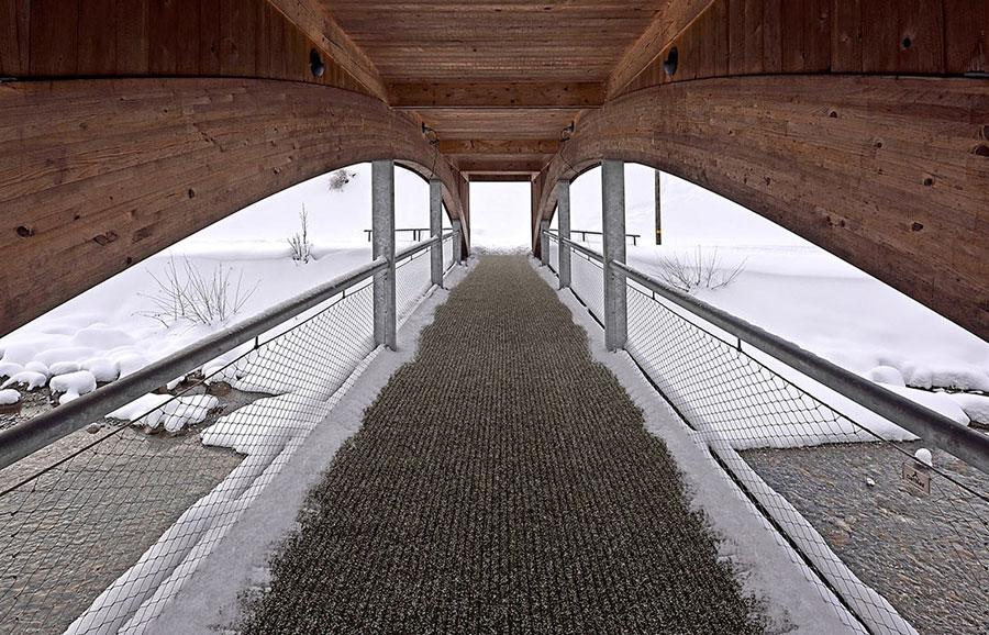 Buitenmat grindmatten voor op een loopbrug