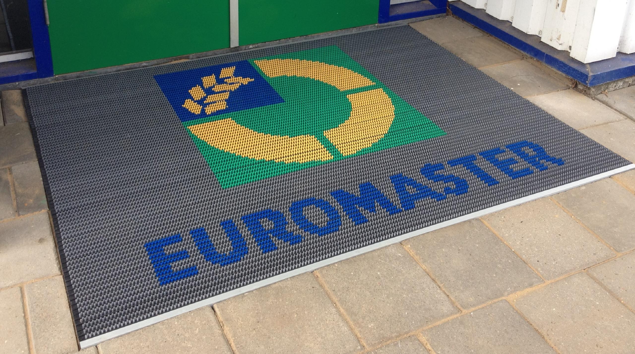 Borstelmat met logo voor Euromaster