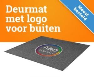 Deurmat met logo buiten